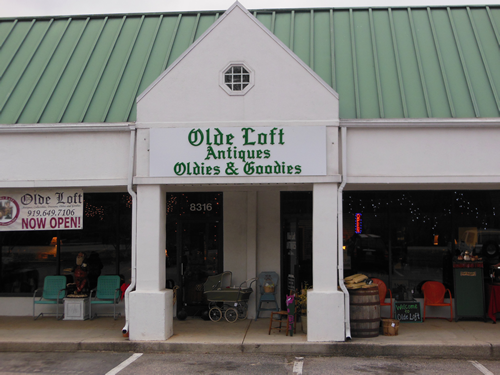 Custom exterior sign for Olde Loft Antiques